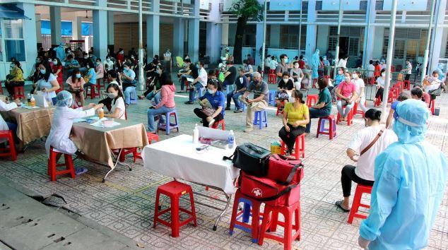 Một trường học tại TP.HCM được trưng dụng làm địa điểm tiêm vắc xin