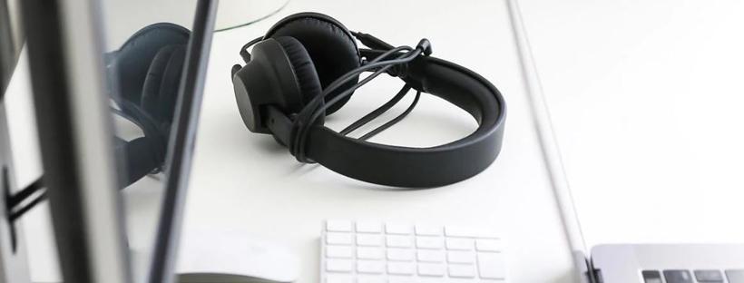 Cách sử dụng tai nghe một giắc cắm trên PC mà không cần bộ chia