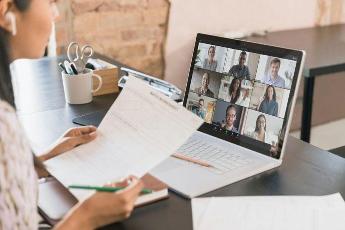 Dạy học trực tuyến là gì?