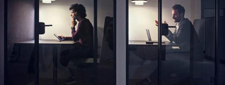 Loa tích hợp micro để làm việc online tại nhà