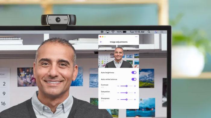Zoom rõ hình ảnh gấp 4 lần với chất lượng full HD